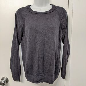 Lululemon rising salutation sweater size 4?